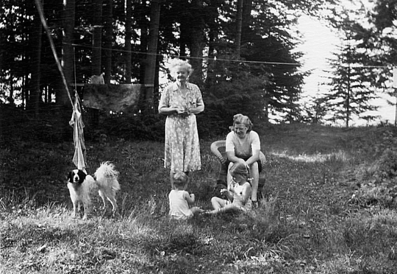 skippy grandma mark ginny mom 1948 canada